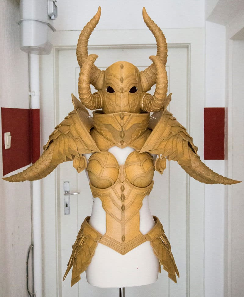 Diablo3_Crusader_Kamui_Cosplay_12