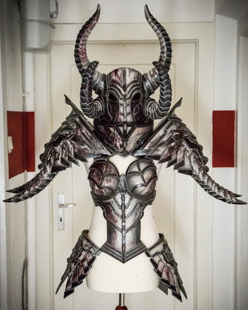 Diablo3_Crusader_Kamui_Cosplay_20