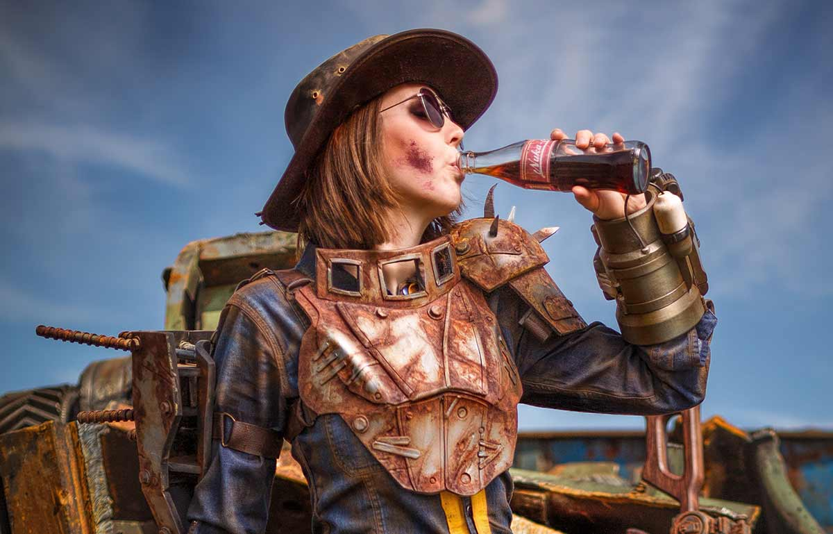 Kamui-Cosplay-Fallout-Costume-PipBoy-Nuka-Cola-Costume-Sole-Survivor