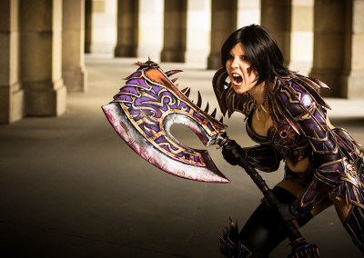 08_WoW_Gorehowl_Kamui_Cosplay_Props