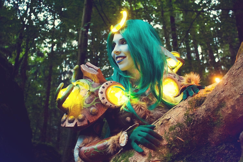 Kamui-Cosplay-Druid-Tier8-Costume-World-of-Warcraft